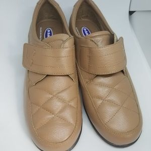 NEW Dr. Scholl's Tan One-Strap Leather Walk